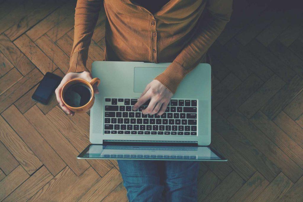 سیستم آزمون آنلاین   سیستم پشتیبانی و مشاوره آنلاین   ظاهری زیبا به همراه امکانات باورنکردنی